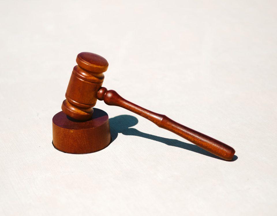 rappel à la loi